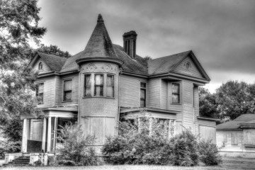 Abandoned mansion in Tuskegee Alabama