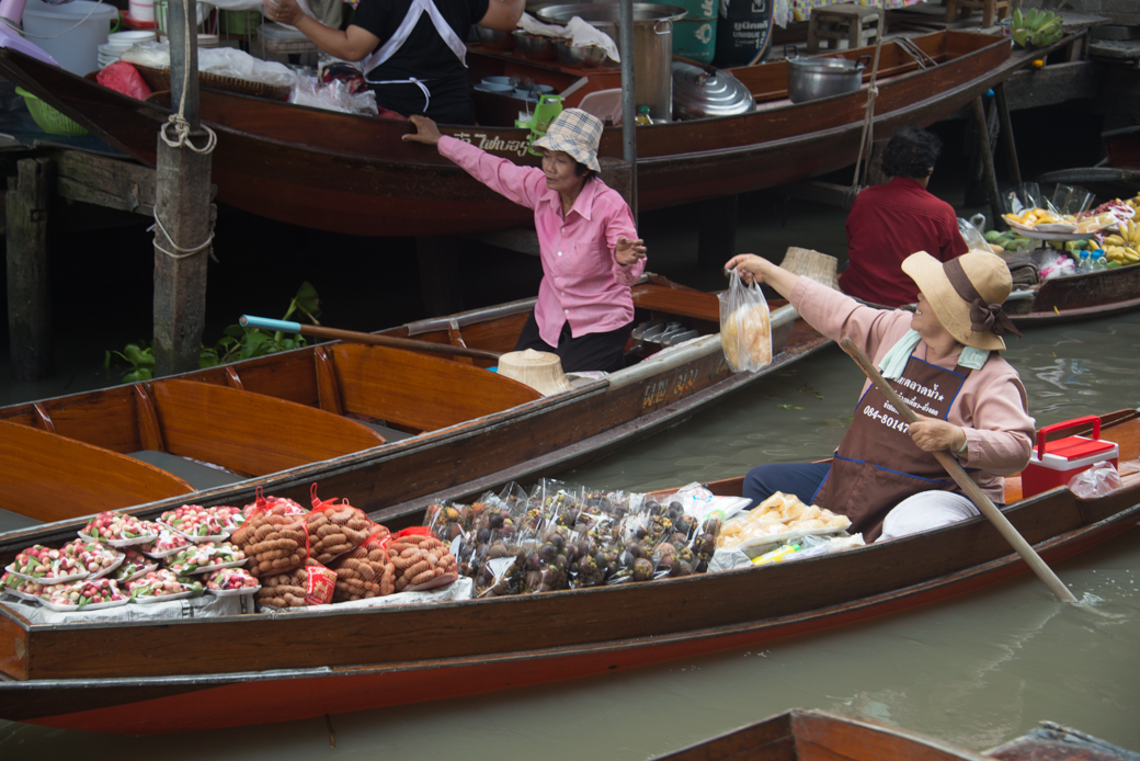 Is Bangkok Floating Market ACTUALLY in Bangkok ...
