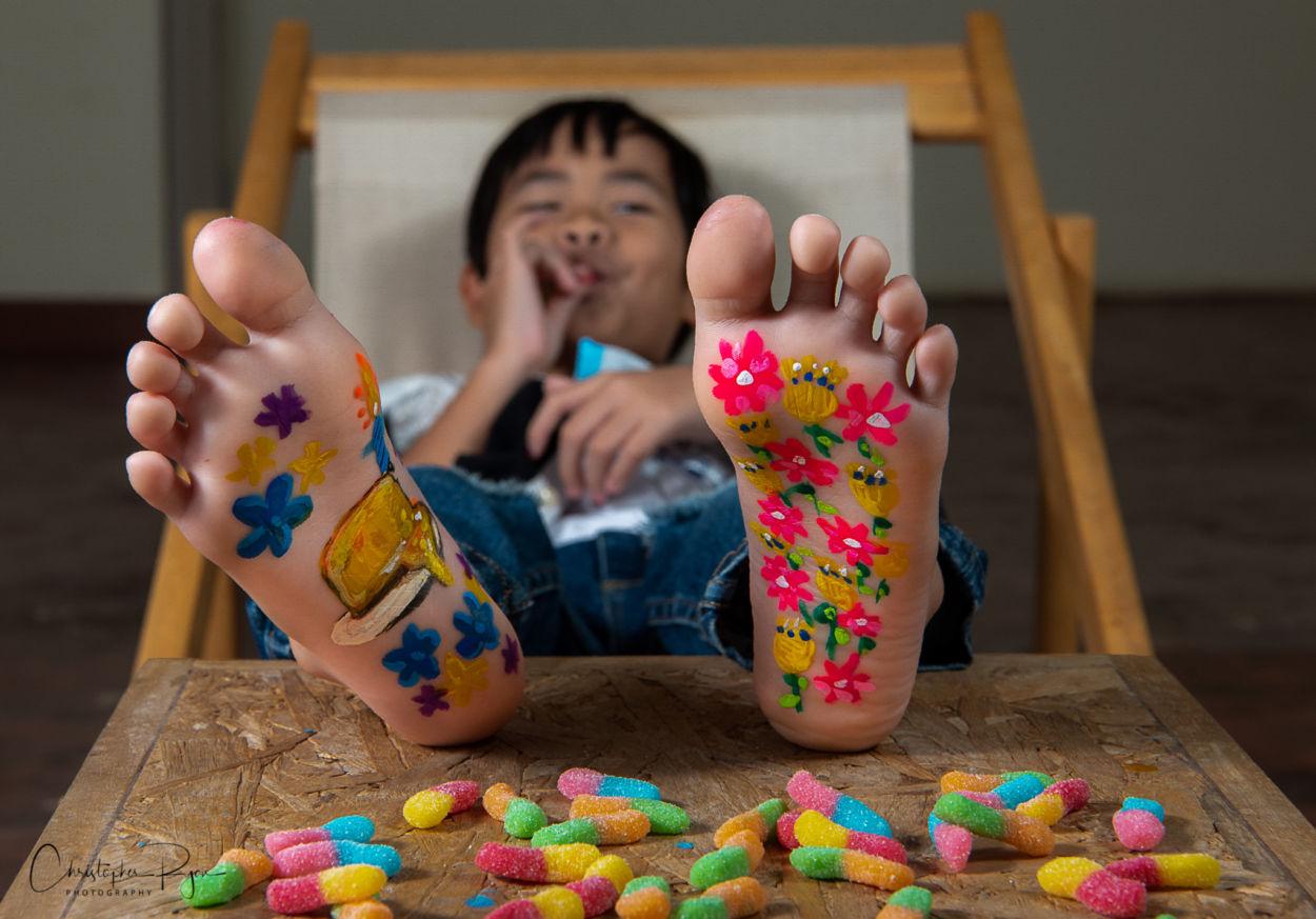 feet, painted feet, feet art, barefoot boy, kid feet, candy feet, flower feet